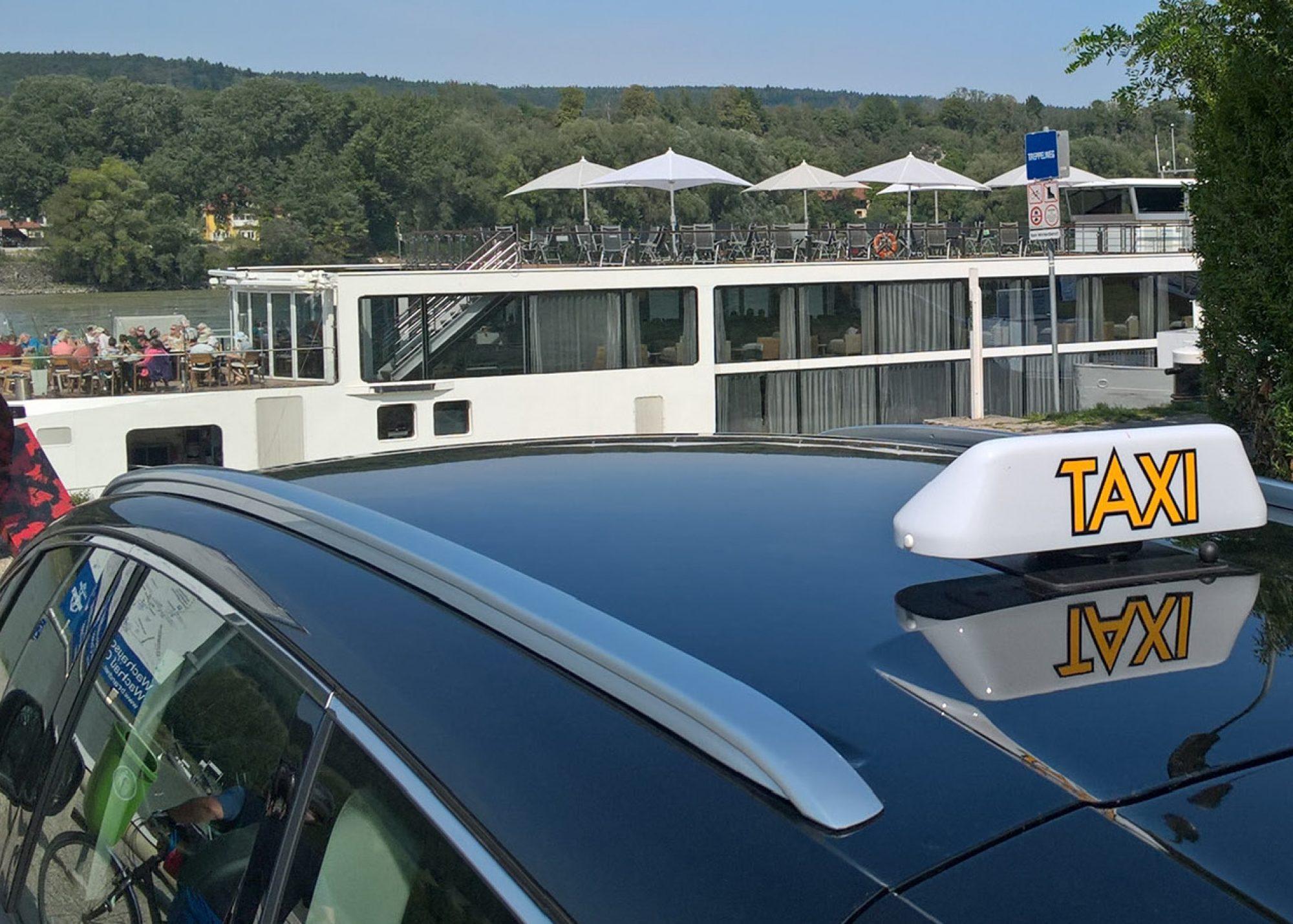 Taxi Amstetten 66662 | Ihr 24 Stunden Taxi in der Stadt und im Bezirk | +436766660220 | StadtTaxi Amstetten e.U.